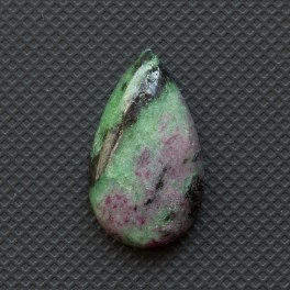 Рубин в цоизите 23.5х13.5
