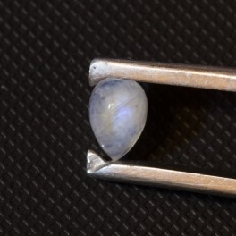 Лунный камень (адуляр) 8.7х6